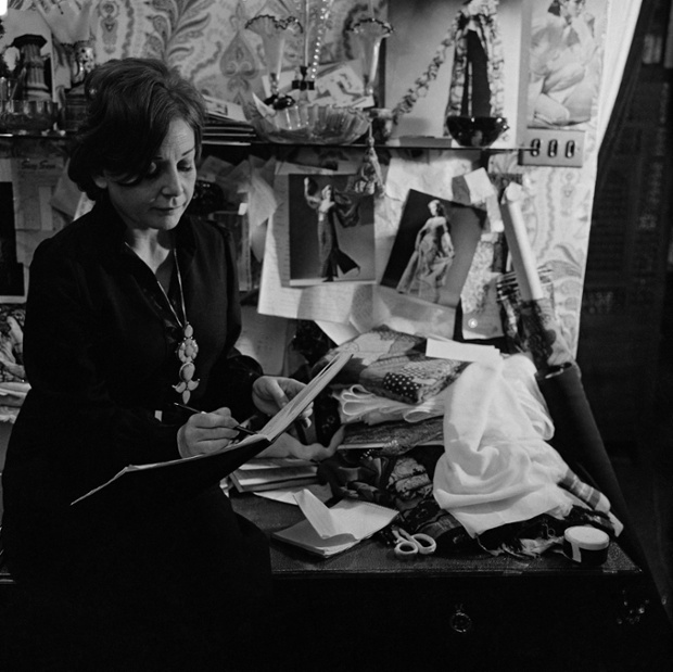 Thea Porter in her workroom. Photographer: Patrick Hunt