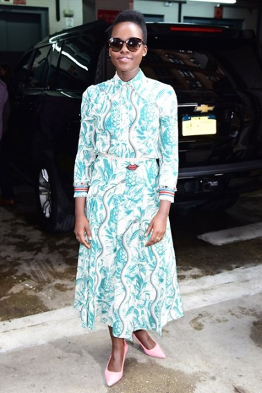 Lupita-Nyong-vogue-11Mar16-getty_b_426x639